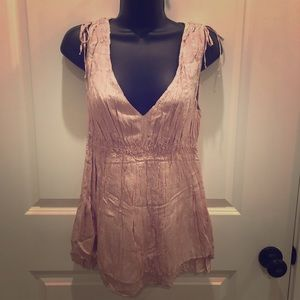 💥5/$25 NWT!!! EXPRESS Med dusty pink tank w/sequi